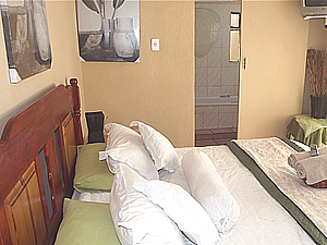 Witbank Accommodation - Self Catering , B&B , Guest House Accommodation - Phomolong Guest House and Laundry services - Mpumalanga Accommodation
